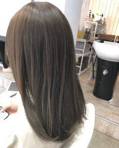 うねる髪から【ストレートヘア】へ♪
