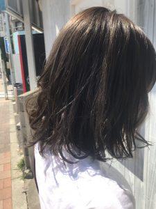夏の日差しにピッタリ☆透けるグレージュ